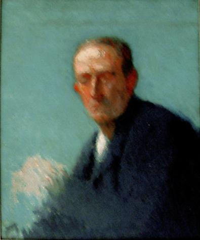 Ritratto d'uomo su sfondo turchese